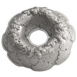 Nordic Ware Autumn Wreath Bundt Cake Pan 1