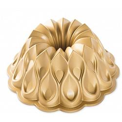 Nordic Ware Crown Bundt Pan 1