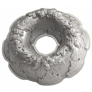 Nordic Ware Autumn Wreath Bundt Cake Pan