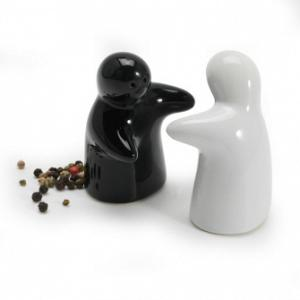 BIA Cordon Bleu Huggers Salt and Pepper Shaker Set