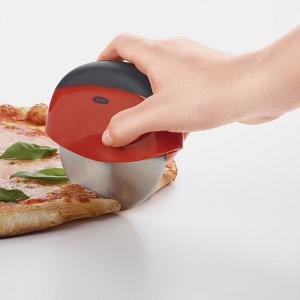 Oxo Good Grips Palm Held Pizza Wheel
